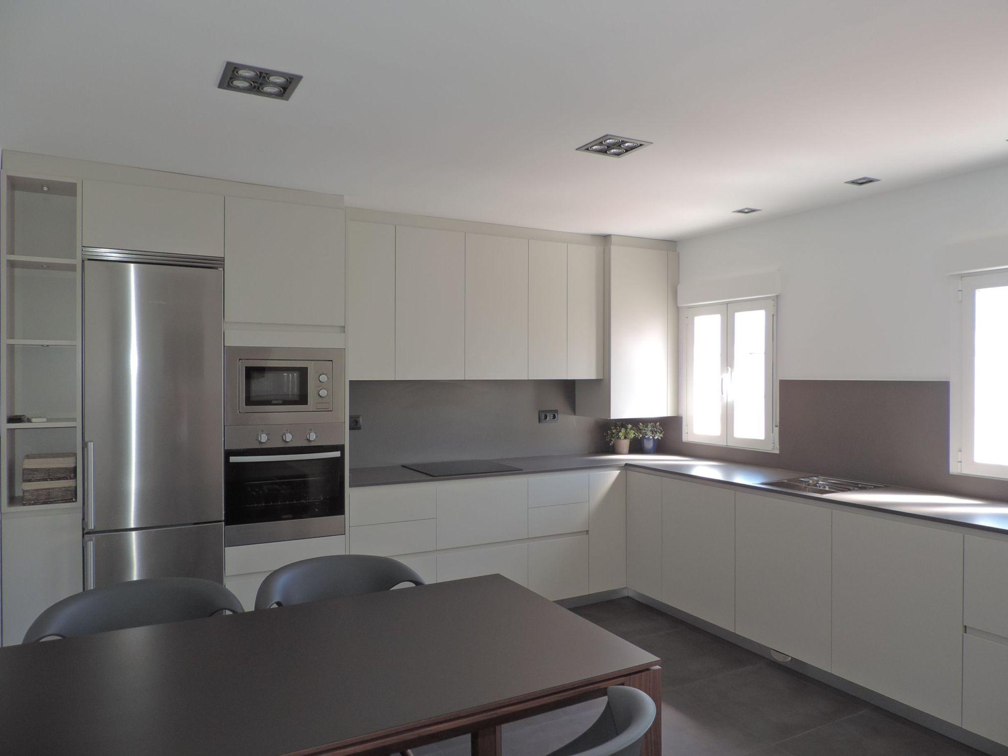 Reformas integrales de vivienda for Muestrario de cocinas