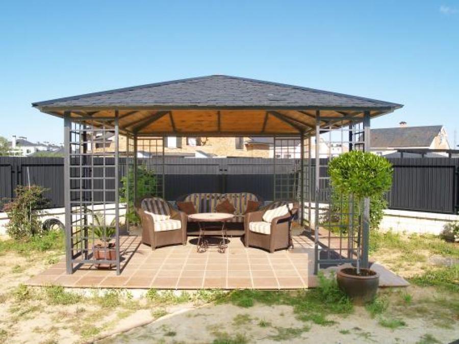 Pergolas de hierro forjado affordable madera terrazas - Pergolas de forja ...